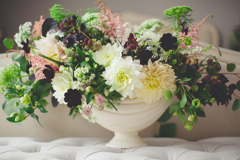 Weisse Blumen in einer Vase