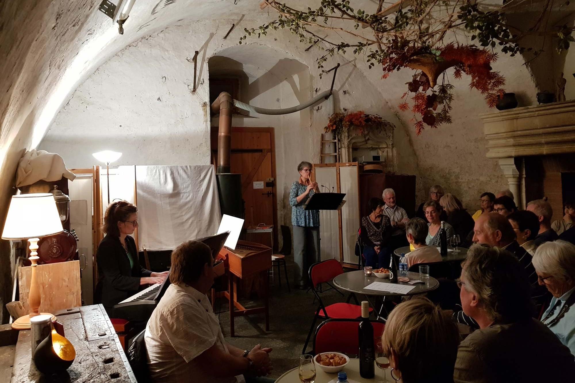 Konzert im einem Raum mit GEwölbe