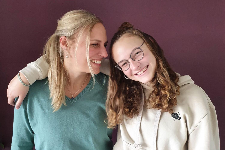 Bild von Mutter und Tochter