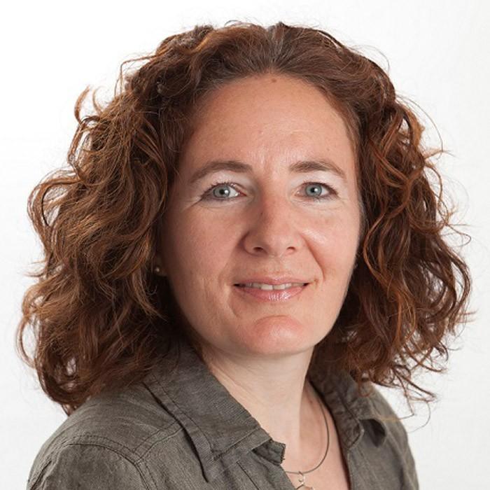 Porträt Franziska Lüthy